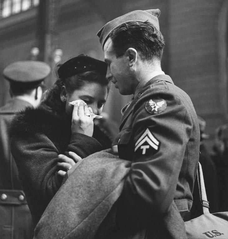 Wartime photos:Farewell To Departing Troops At New York's Penn Station, April 1943