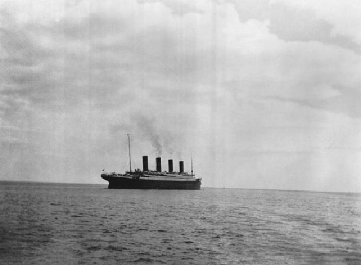The last picture that was taken of the Titanic before it sank